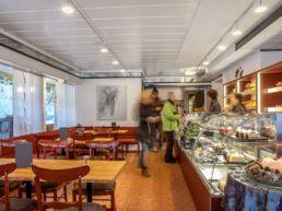 Gadients Gnuss Puur Café und Confiserie Ladenlokal Arosa Onlineshop