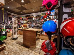 Gisler Sport Arosa Ladenlokal Tschuggen Hotel Arosa Sportgeschäft Ski Bike Wandern